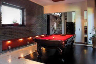 professional pool table refelting in Newport content img2